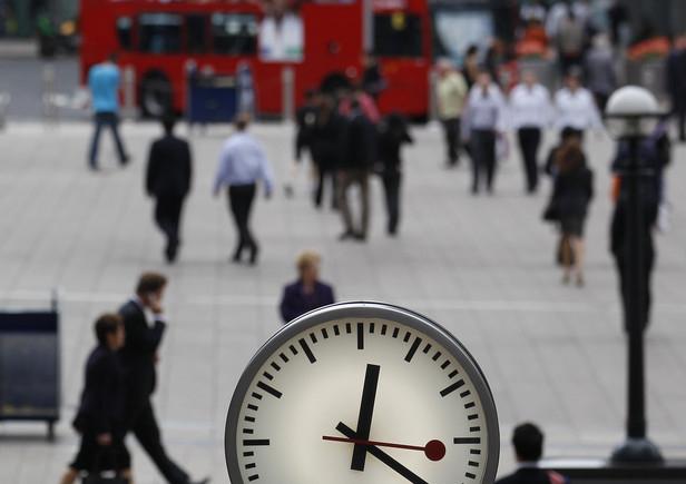 Schopnost mluvit více jazyky mění způsob vnímání času